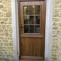 Solidor stable door, Deceuninck frame, Golden Oak on Golden Oak